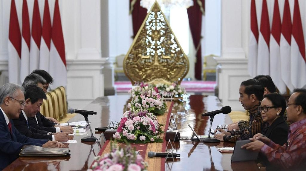 Jokowi Bahas Soal Investasi di Natuna dengan Menlu Jepang