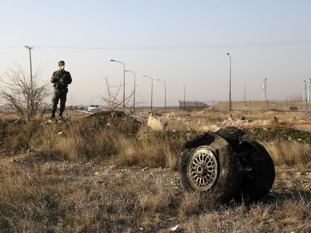 Iran Bantah Rudalnya Penyebab Jatuhnya Pesawat Maskapai Ukraina