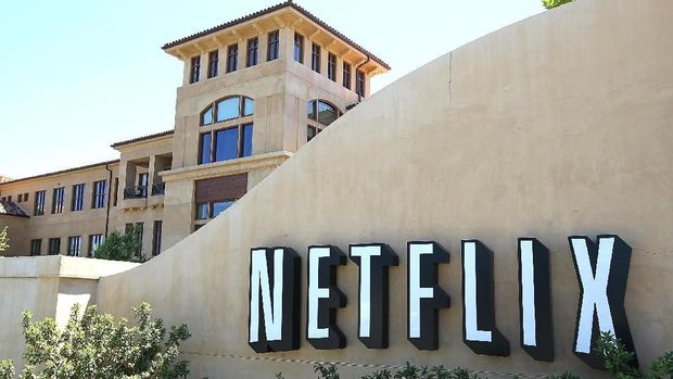 LOS GATOS, CA - JULY 20: A sign is posted in front of the Netflix headquarters on July 20, 2011 in Los Gatos, California. Online movie rental company Netflix will report quarterly earnings on Thursday following a recent customer backlash over a 60 percent increase in fees.   Justin Sullivan/Getty Images/AFP