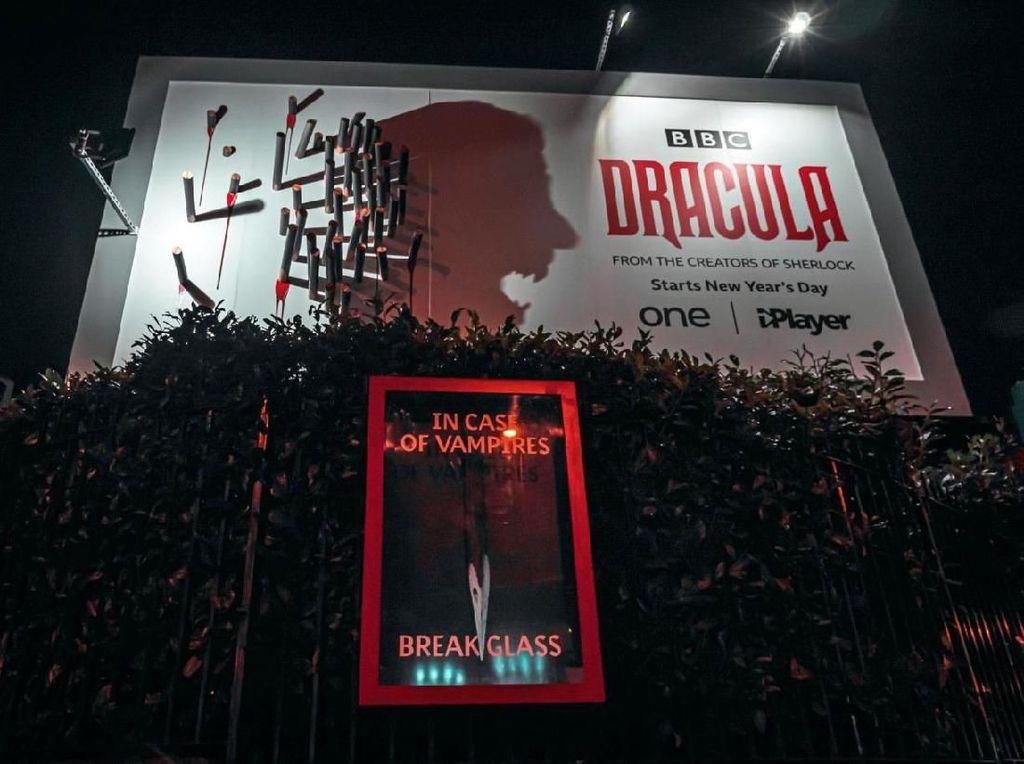 S3 Marketing! Billboard Keren Serial Dracula
