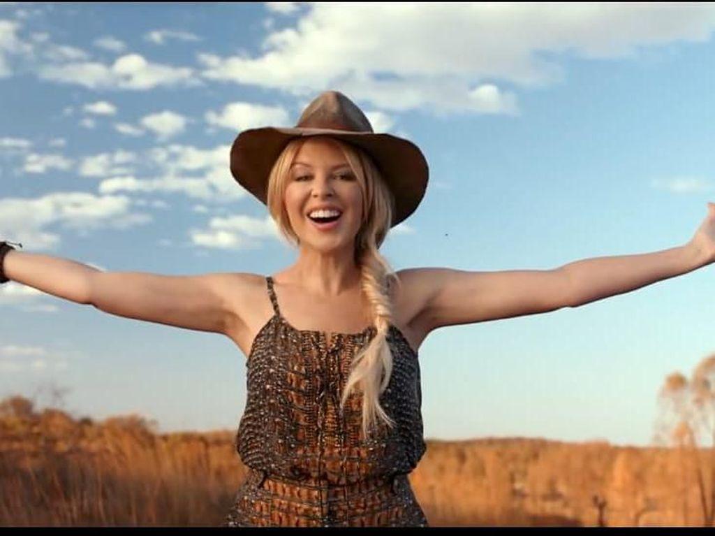 Iklan Pariwisata Kylie Minogue Tersandung Kebakaran Australia