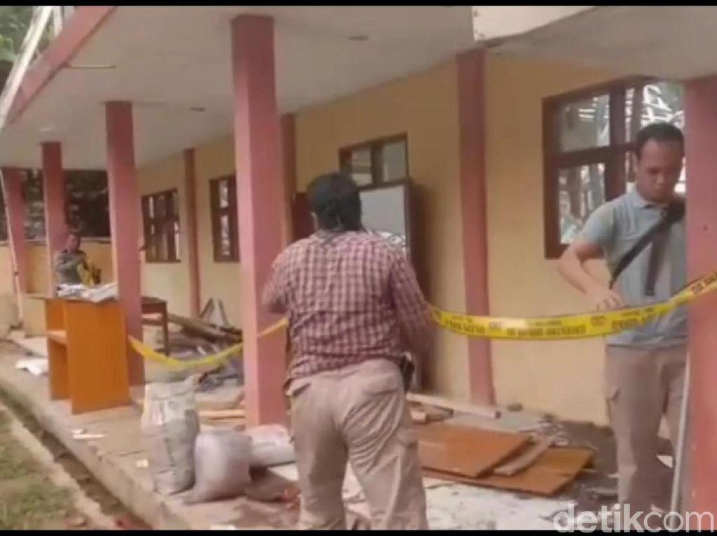 Polisi Investigasi Perpustakaan SMK di Tasikmalaya yang Ambruk