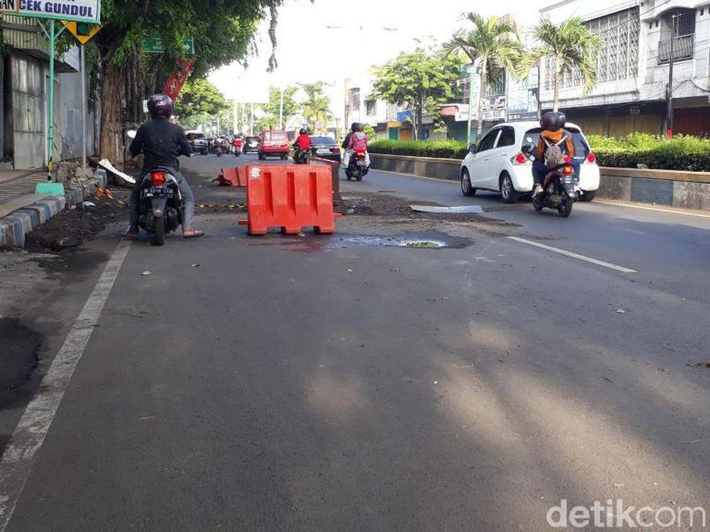Hati-hati, Ada Gorong-gorong Jebol di Pantura Kota Pasuruan