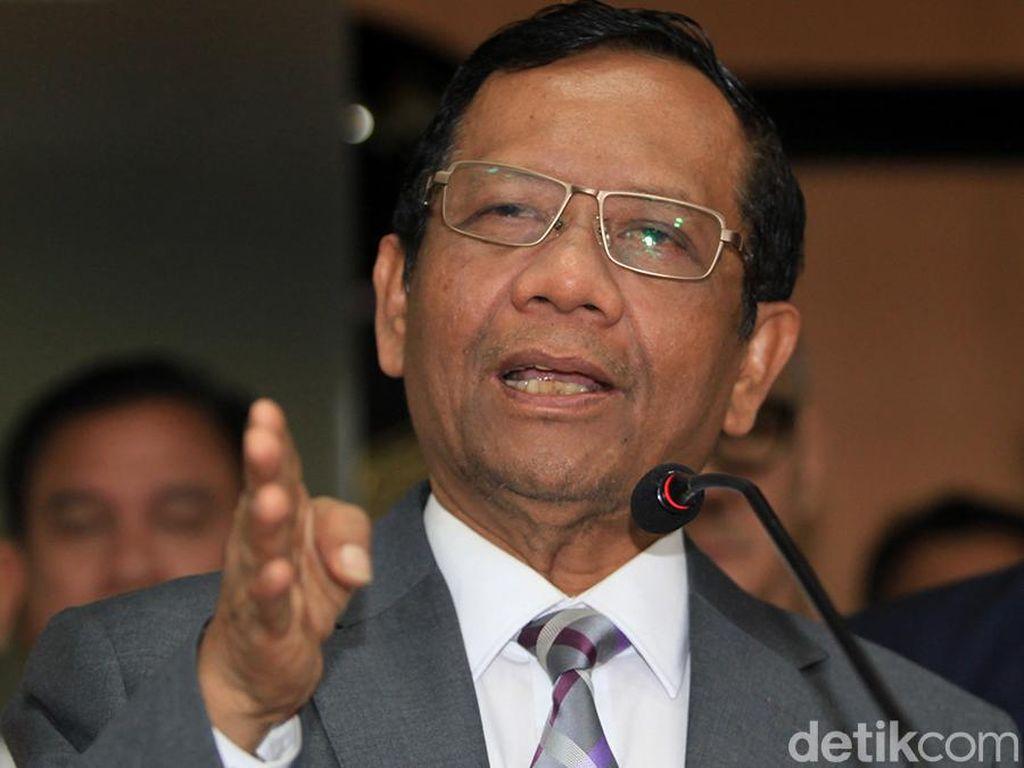 Gerindra DKI Ajak Class Action Jokowi, Mahfud: Nggak Apa-apa, Biasa Aja