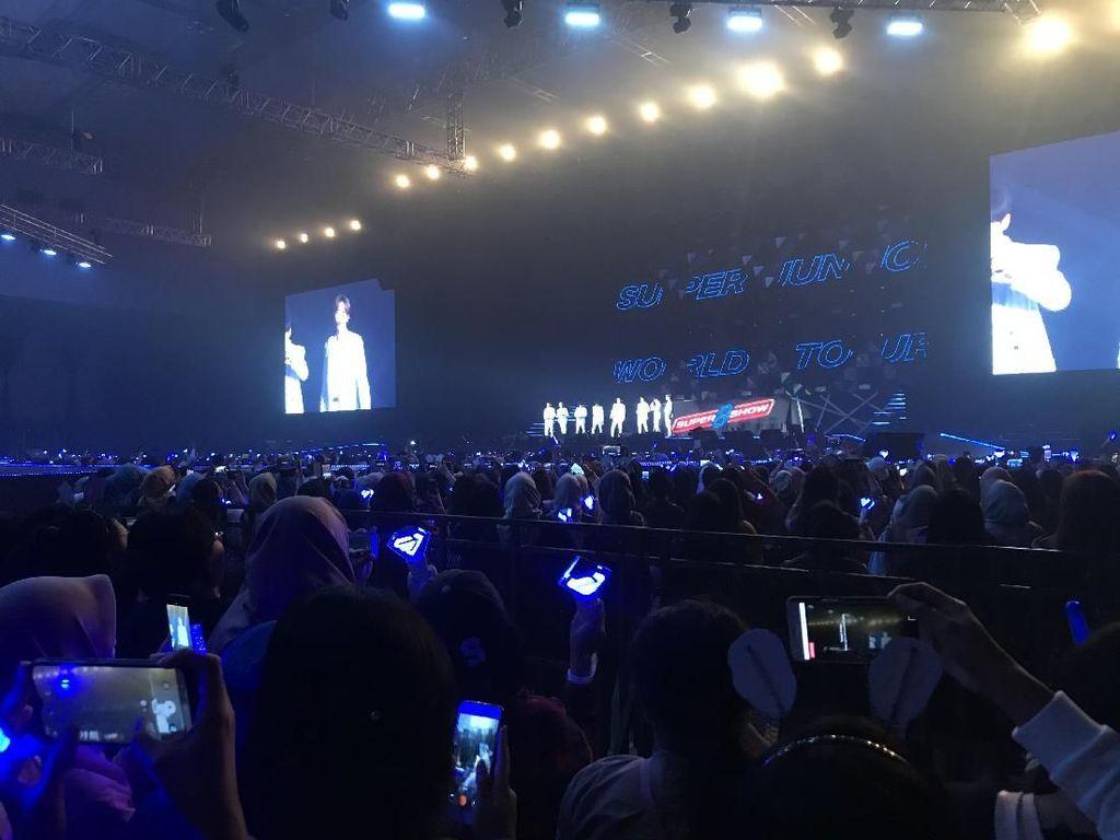 Buka Konser Super Show 8: Infinite Time, SuJu Bikin Histeris ELF