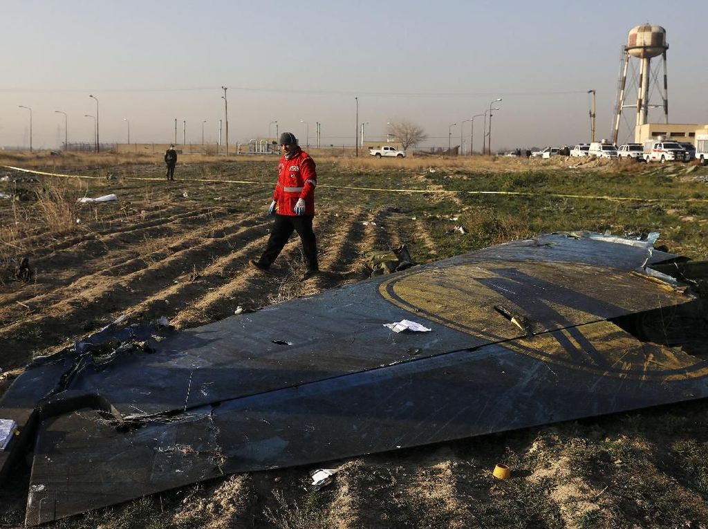 Penyidik Kanada Diberi Akses terhadap Kotak Hitam Pesawat Maskapai Ukraina