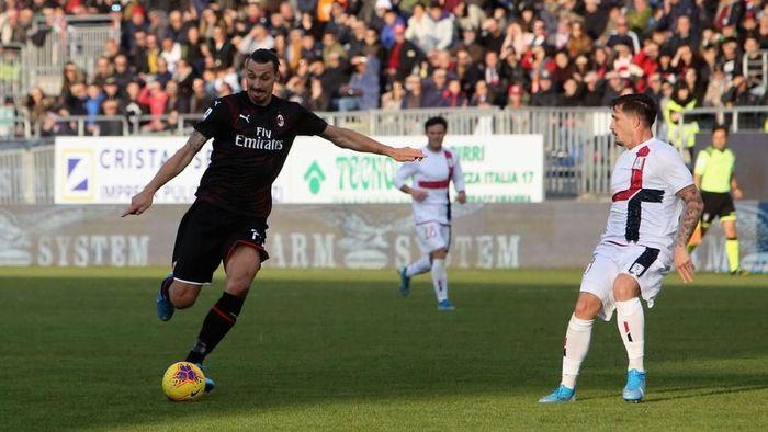 Zlatan Ibrahimovic tampil gemilang saat AC Milan mengalahkan Cagliari 2-0 (Foto: Enrico Locci/Getty Images)