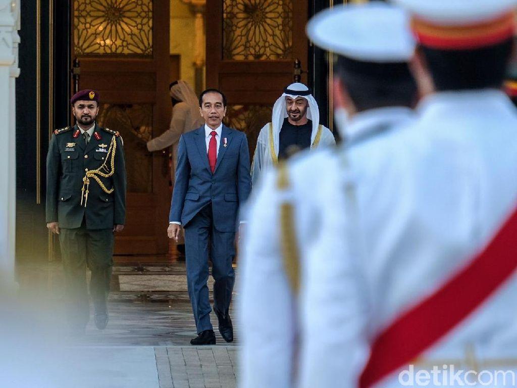 Disambut Upacara Kenegaraan, Jokowi Bertemu Putra Mahkota Uni Emirat Arab