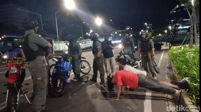 Viral Remaja Pemotor Tendang-tendang Cone di Jl Sudirman, Polisi Bertindak