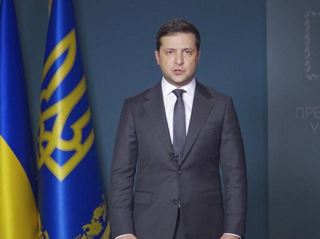 Telepon Rouhani, Presiden Ukraina: Kami Sepakat Urai Kotak Hitam Bersama
