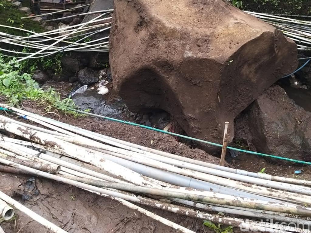 Batu Besar Jatuh dari Tebing 40 Meter di Pasuruan, Ini yang Terdampak