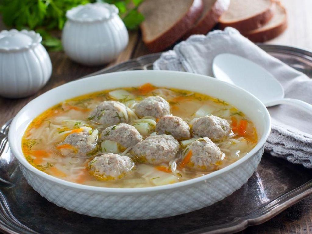 Resep Sup : Sup Bola Daging dan Pasta