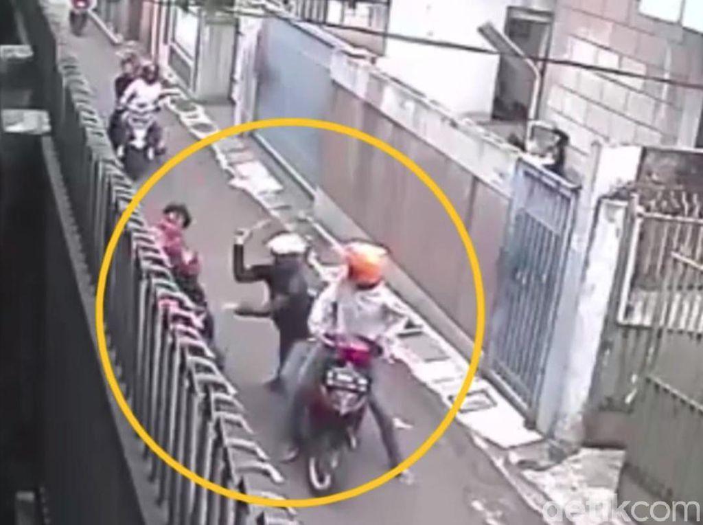 Ngaku Salah Sasaran, Siapa Target Pembacok Brutal di Bandung?