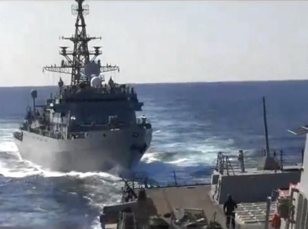 Bersitegang di Laut Arab, Kapal Perang AS dan Kapal Rusia Nyaris Tabrakan