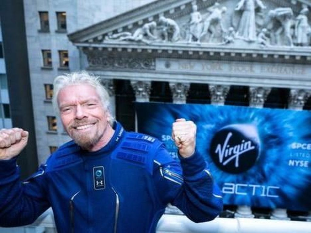 Tunda Uji Coba, Virgin Galactic Terbang ke Luar Angkasa Tahun Depan