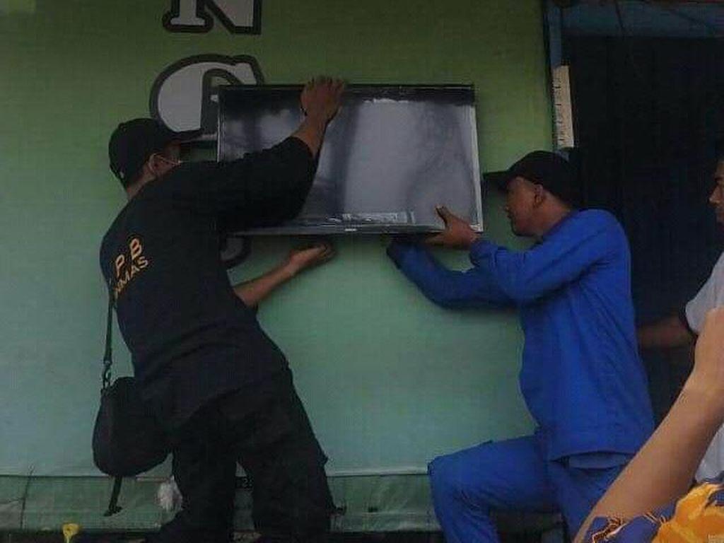 Pemkot Surabaya Pasang 16 TV Perkiraan Cuaca untuk Bantu Nelayan