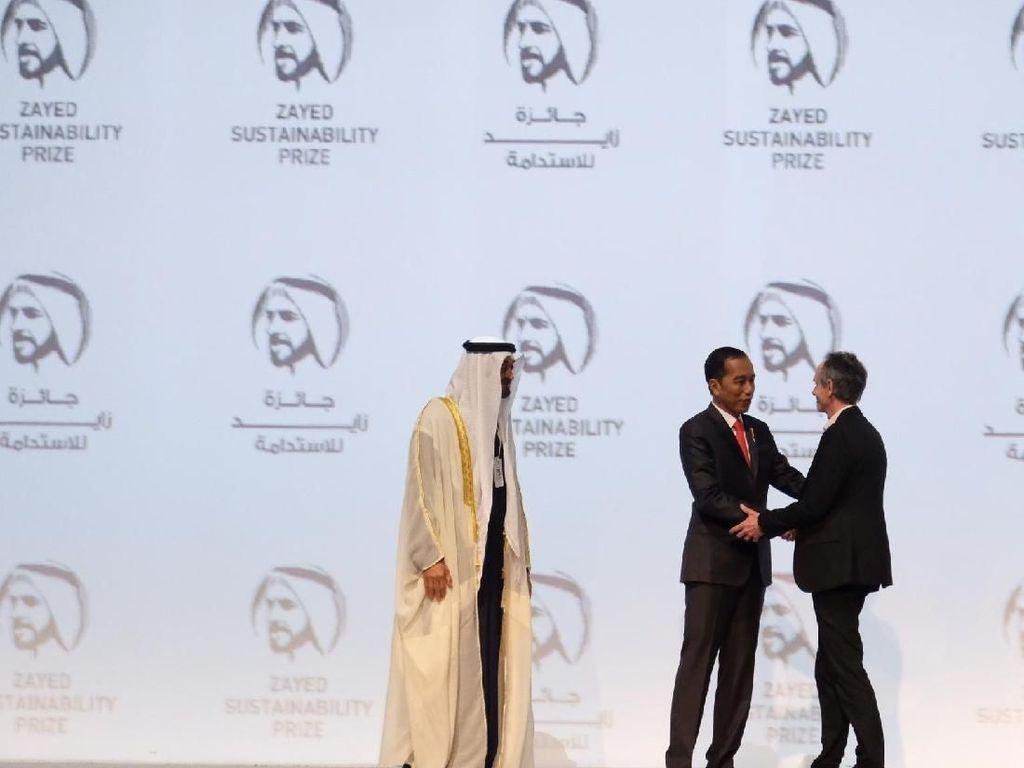 Jokowi Promosi Sawit RI di Abu Dhabi