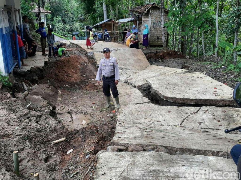 Awal 2020, Terjadi 6 Pergerakan Tanah di Cianjur