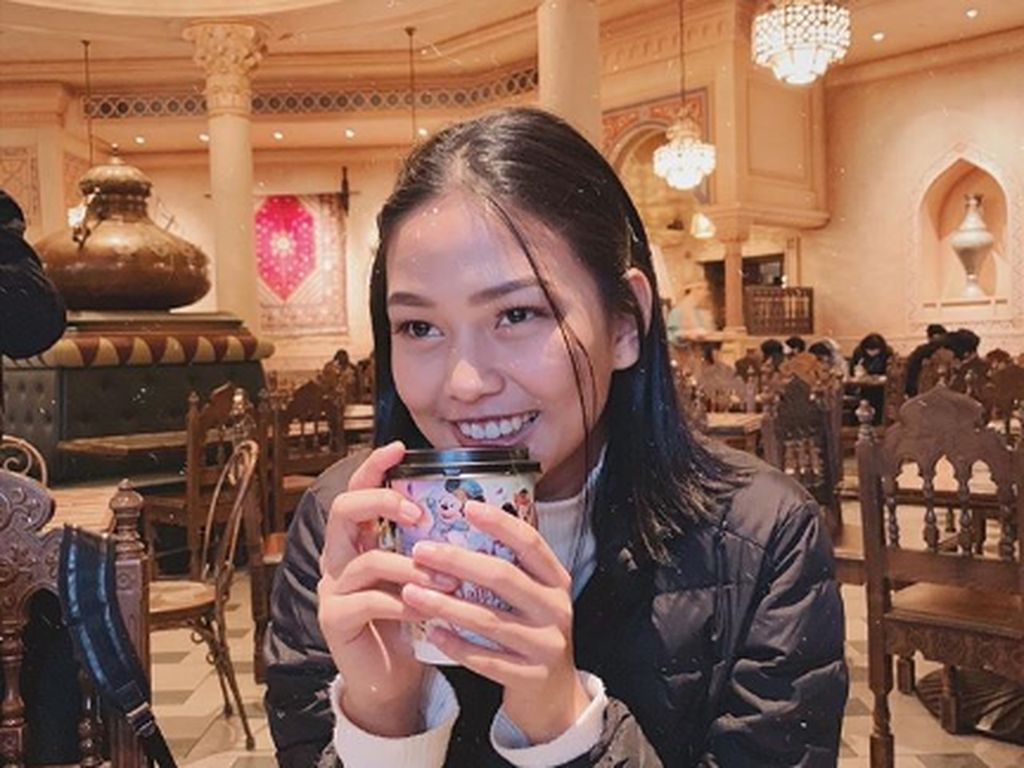 Saling Sindir dengan Lucinta Luna, Selebgram Dara Arafah Tanggapi Santai Sambil Ngopi di Kafe