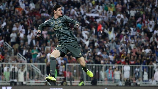 Thibaut Courtois jadi bintang Madrid di El Clasico.