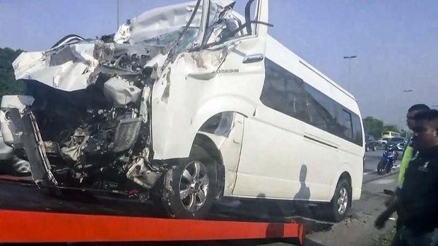 Kondisi mobil yang ditumpangi Kento Momota saat kecelakaan.