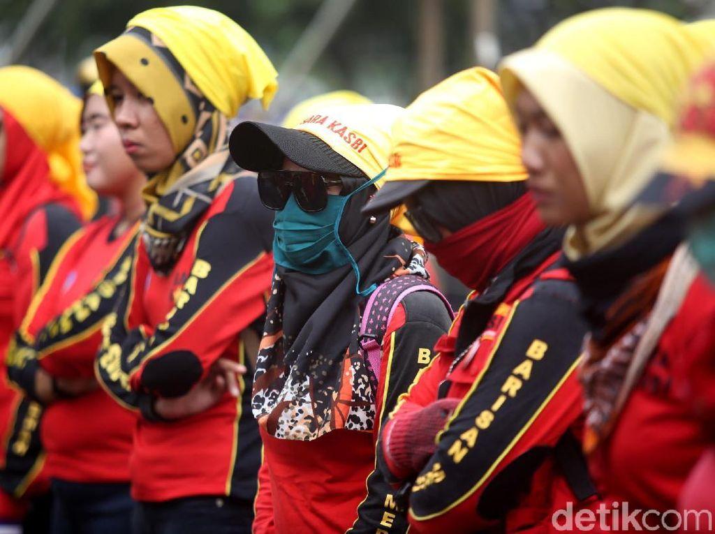 Upah Per Jam Masuk UU Sapu Jagat, Tak Bakal Hapus UMP