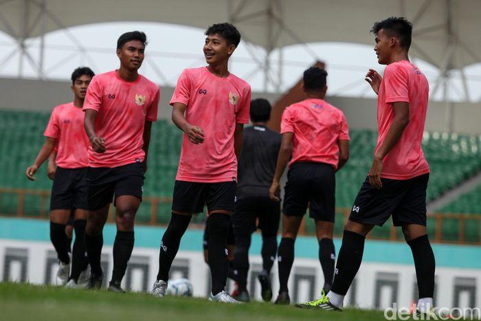 Latihan ini digelar di Stadion Wibawa Mukti, Cikarang, Bekasi, Senin (13/1/2020).