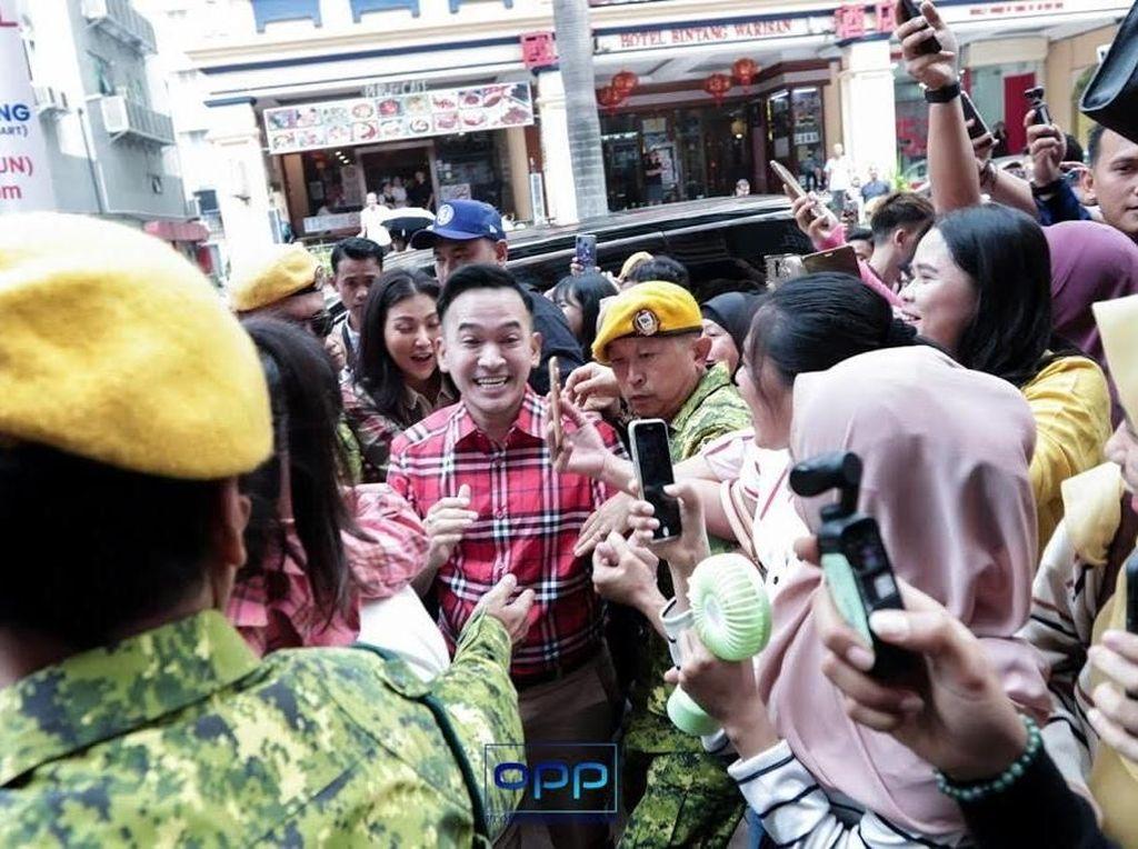 Ruben Lebarkan Kedai Ayam Gepreknya sampai ke Malaysia