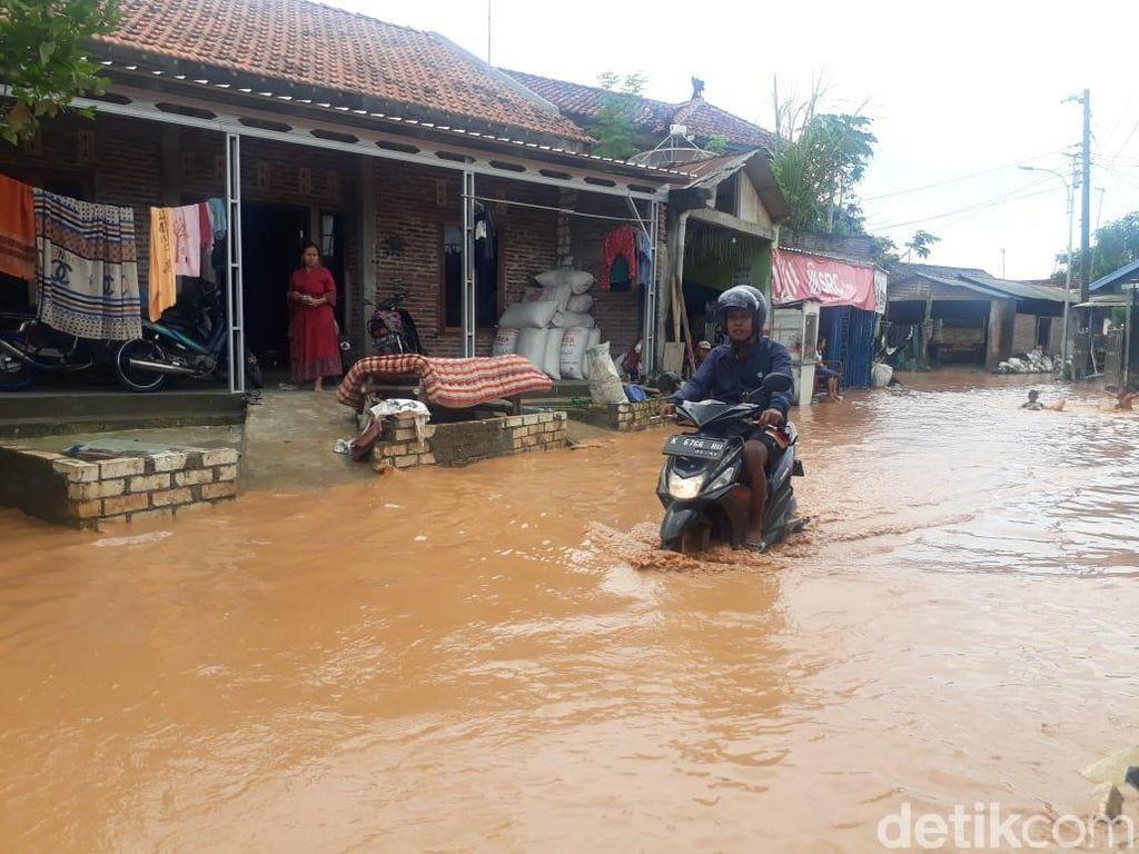 Selain Jalur Pantura, Banjir Juga Genangi Rumah Warga di Pati
