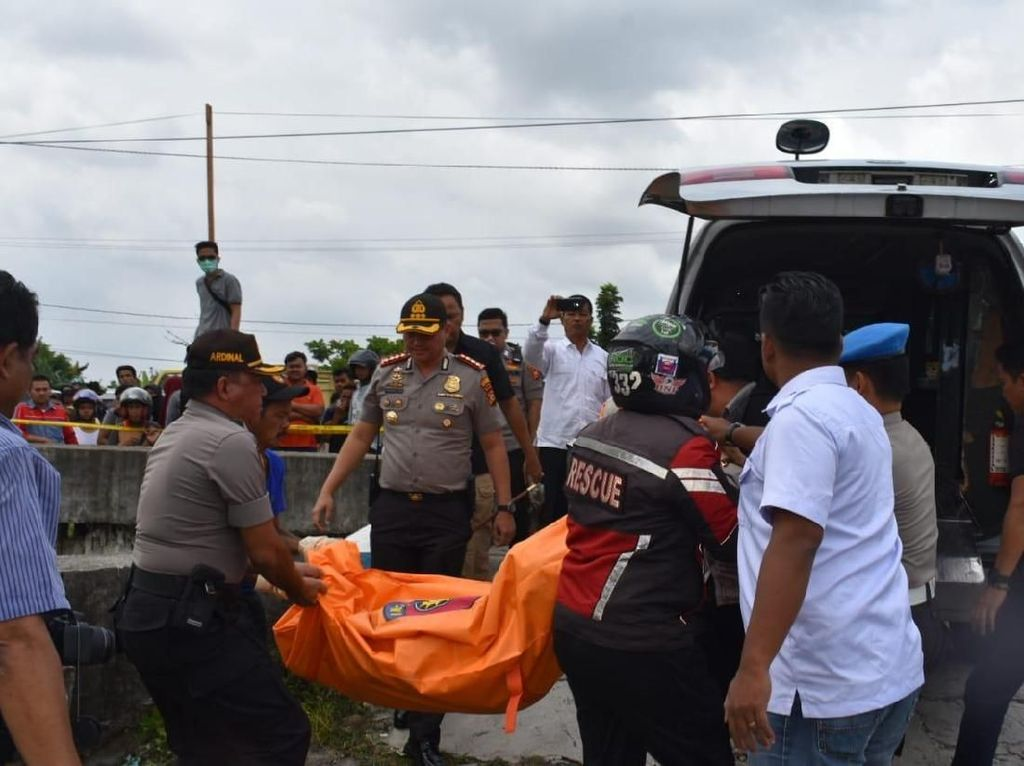 Penemuan Mayat Wanita dalam Parit di Pekanbaru Bikin Geger Warga