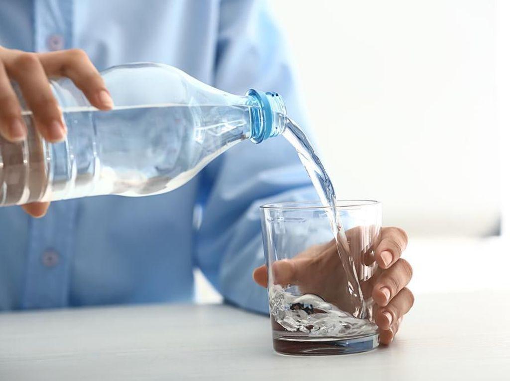 Awas Jangan Beli Air Minum Kemasan Sembarangan! Perhatikan Ini Dulu