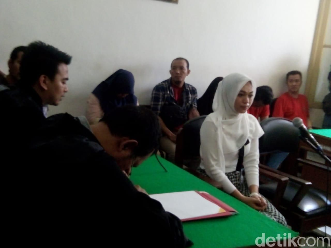 Ahmad Arfah Lubis-detikcom/ Sidang Febi Nur Amelia terdakwa kasus ITE tagih utang via IG