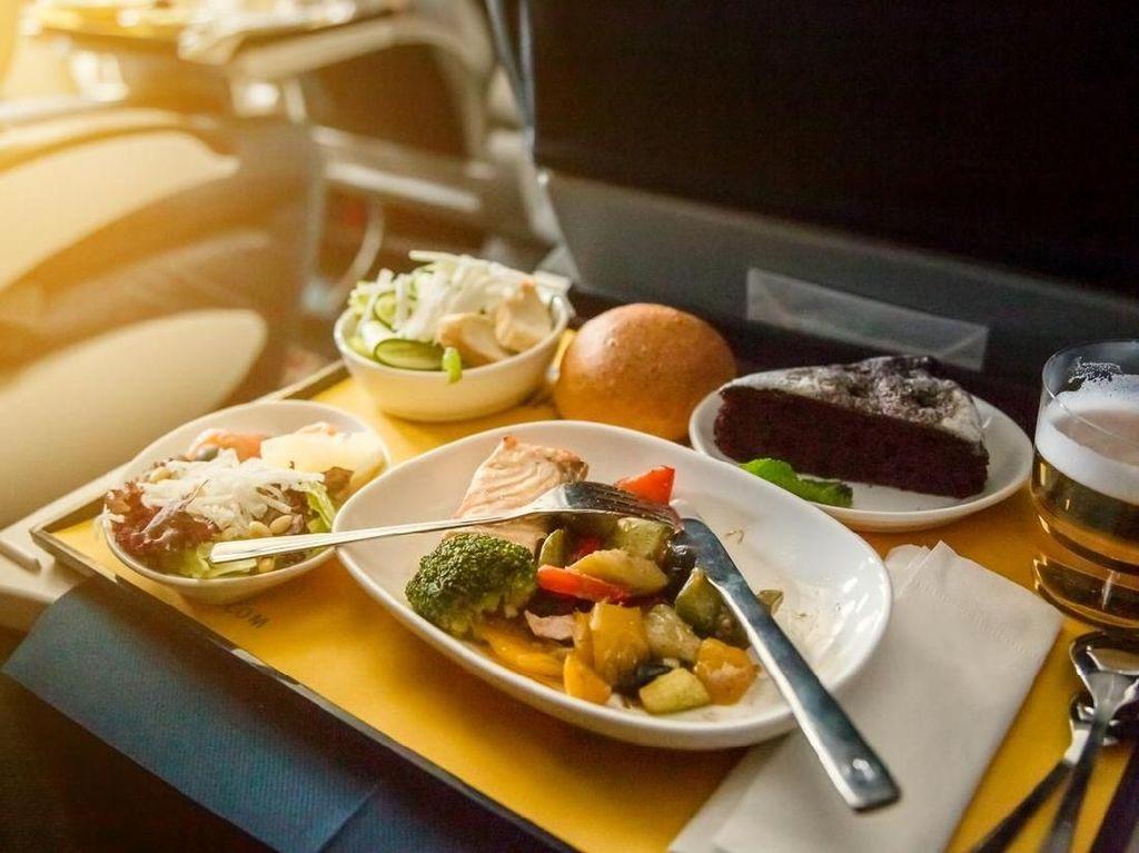 Rindu Makanan Pesawat? Maskapai-Maskapai Ini Bisa Antar ke Rumah