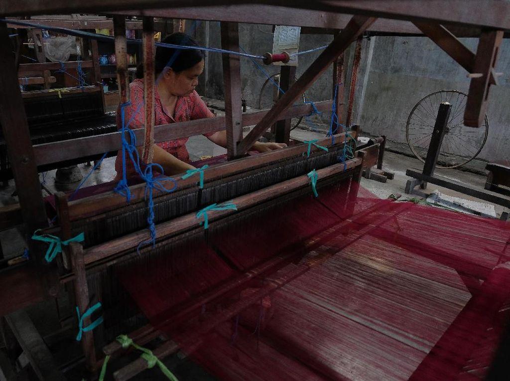 Melestarikan Kain Tenun Tradisional Bali di Era Modernisasi