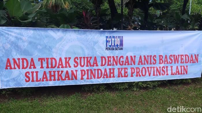 Spanduk Massa Pro-Anies (Farih/detikcom)