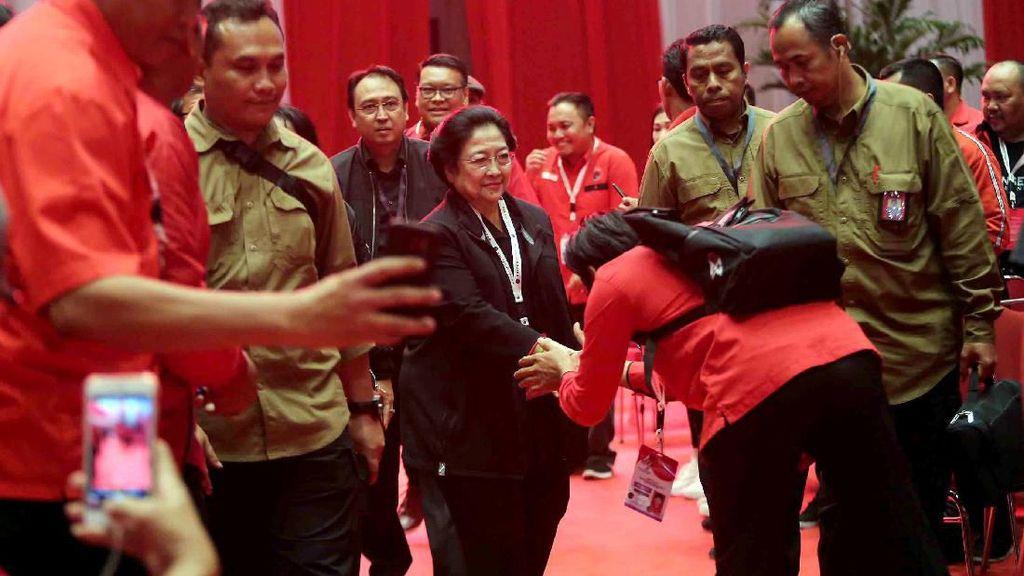 Melihat Lagi Aksi Prananda Prabowo di Rakernas PDIP