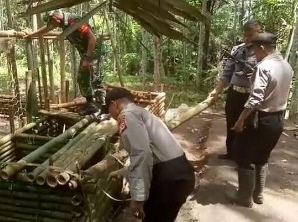 Resahkan Warga, Arena Adu Bagong di Tasik Dibongkar Petugas Gabungan