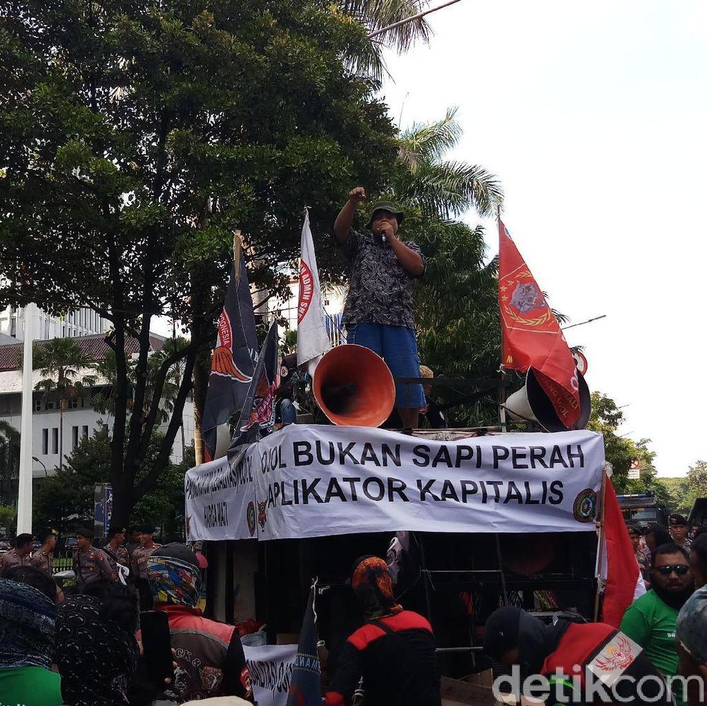 Demo di Kemenhub, Driver Ojol Tuntut Kejelasan Payung Hukum-Zonasi Tarif
