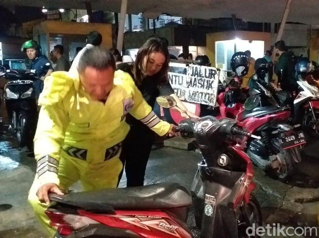 Genangan Air di Darmo Park II Surabaya Sudah Surut