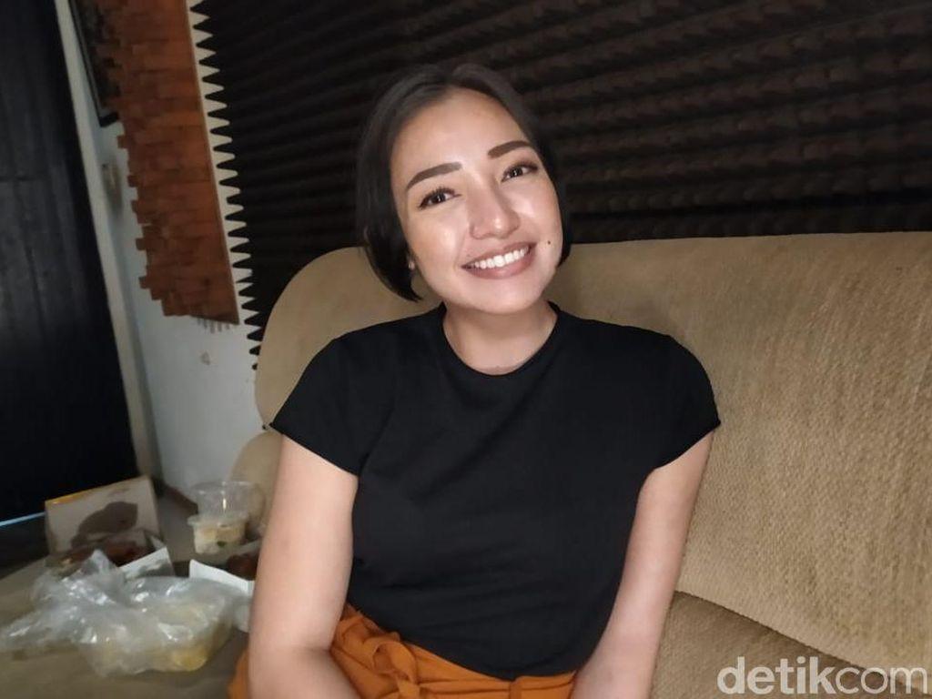 Manda Cello Kenang Hibur Prabowo hingga Goyang Hambalang