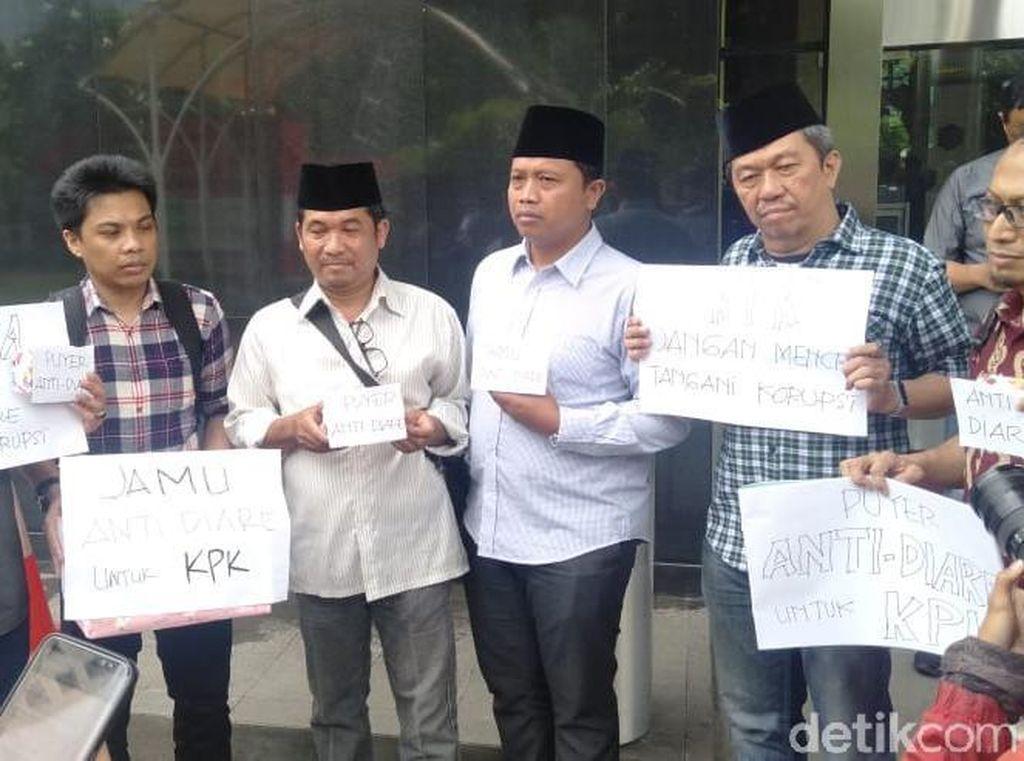 Pimpinan KPK Dikirimi Jamu Antidiare: Jangan Mencret Tangani Korupsi