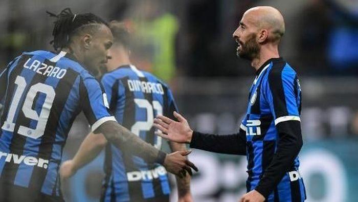Borja Valero menilai kunci Inter Milan mengalahkan Cagliari 4-1 adalah keberhasilan mereka melupakan hasil imbang dari Atalanta (Foto: Miguel MEDINA / AFP)