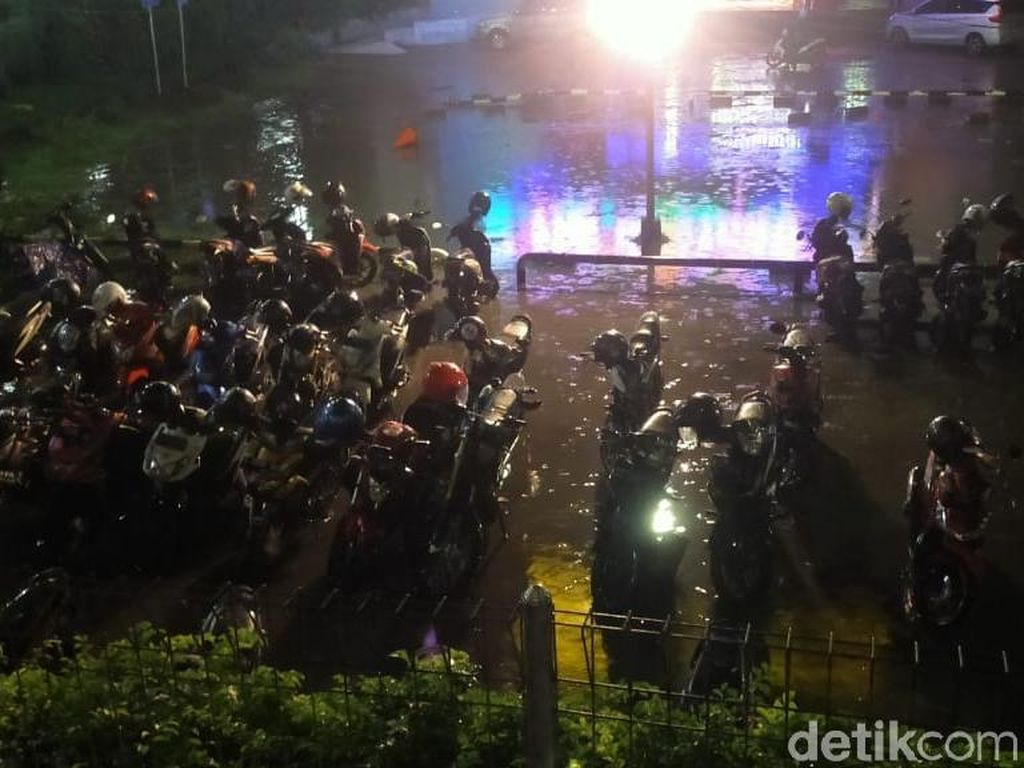 Ini Lokasi 32 Titik Banjir di Surabaya