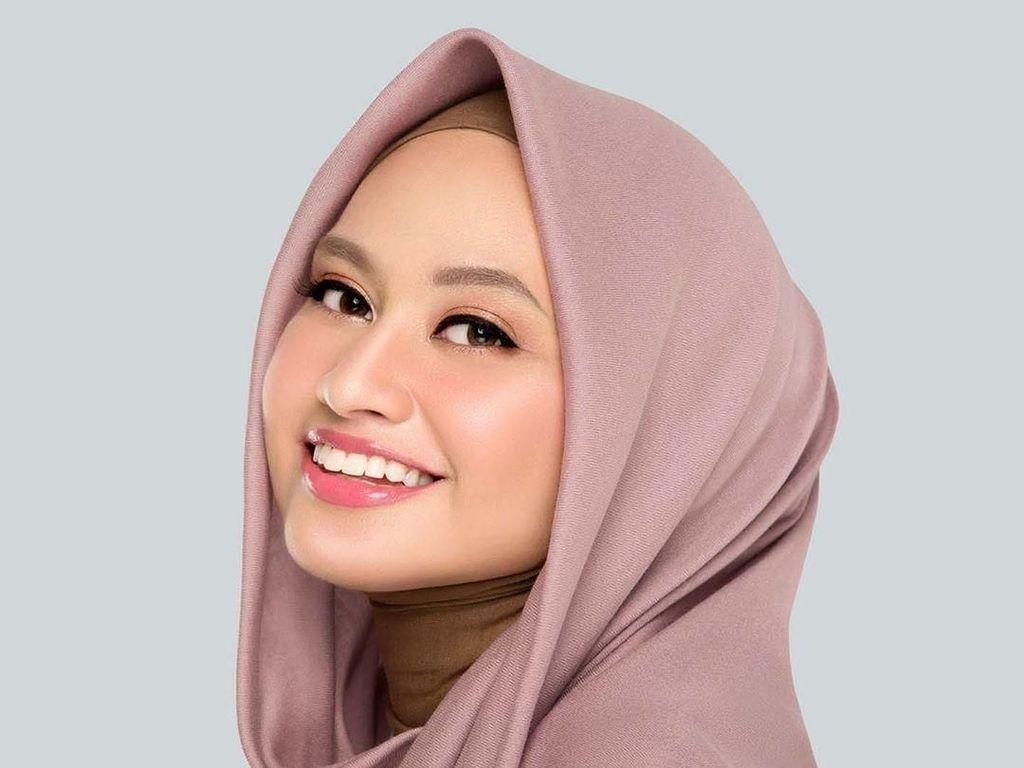 10 Tips Hijab untuk Wajah Lebar Agar Terlihat Tirus