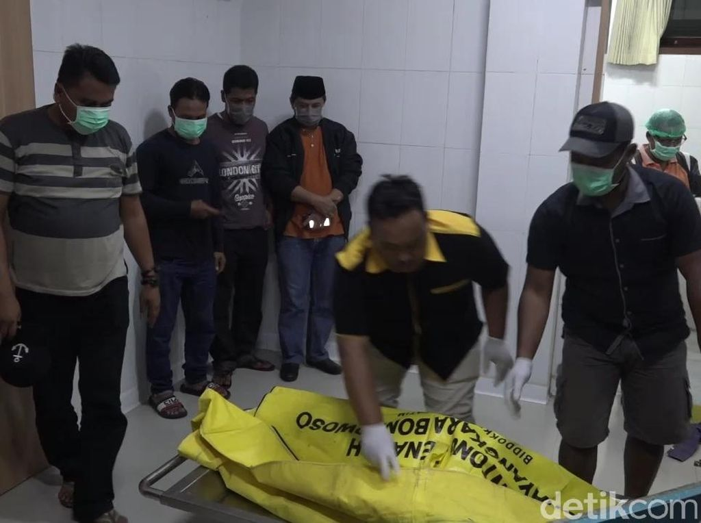 Jasad Pria Bergelang PSS Sleman Ditemukan di Alas Purwo Dijemput Keluarga