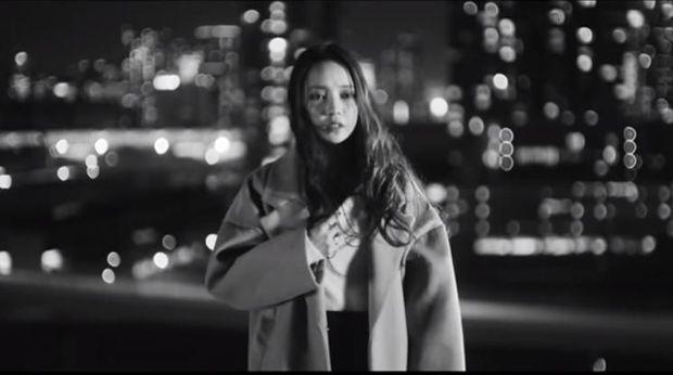 Goo Hara dalam video musik Hello