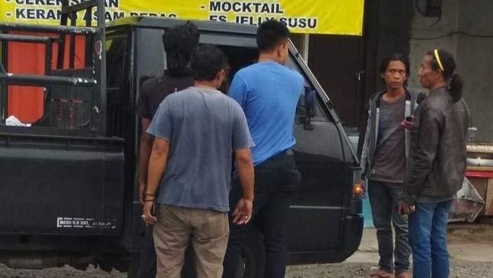 Pemobil yang Tenteng Pistol-Marahi Sopir Pikap Ternyata Polisi Brebes