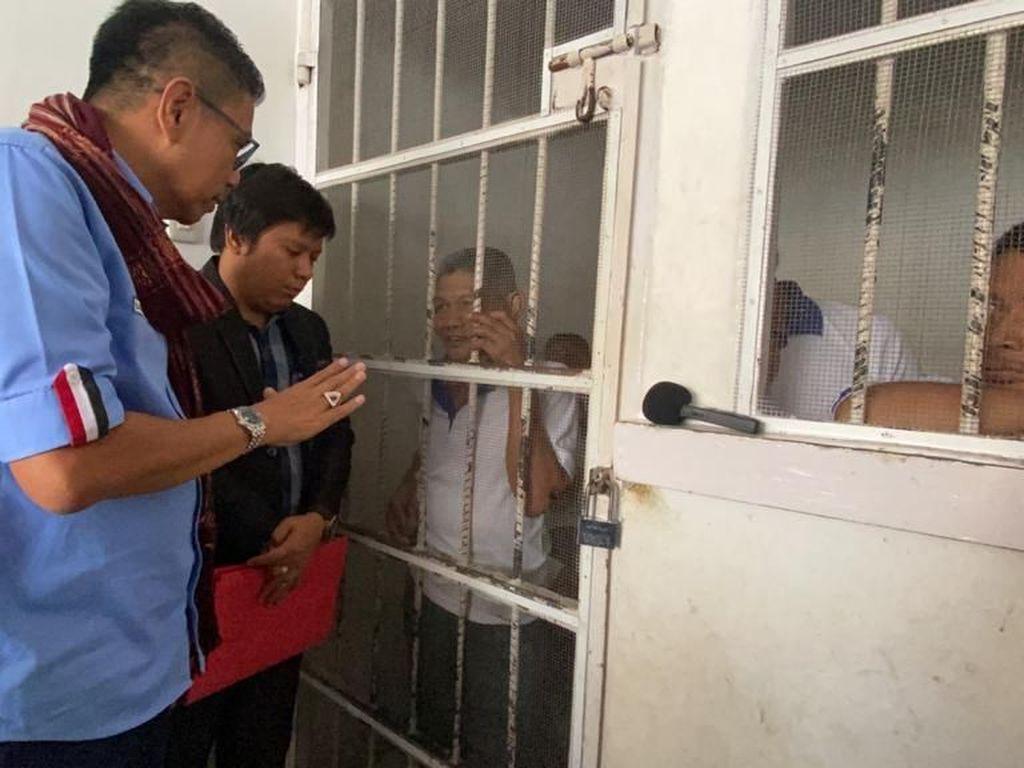 Kakek Samirin Pungut Sisa Getah Karet Rp 17 Ribu Dihukum 2 Bulan Penjara, Adilkah?