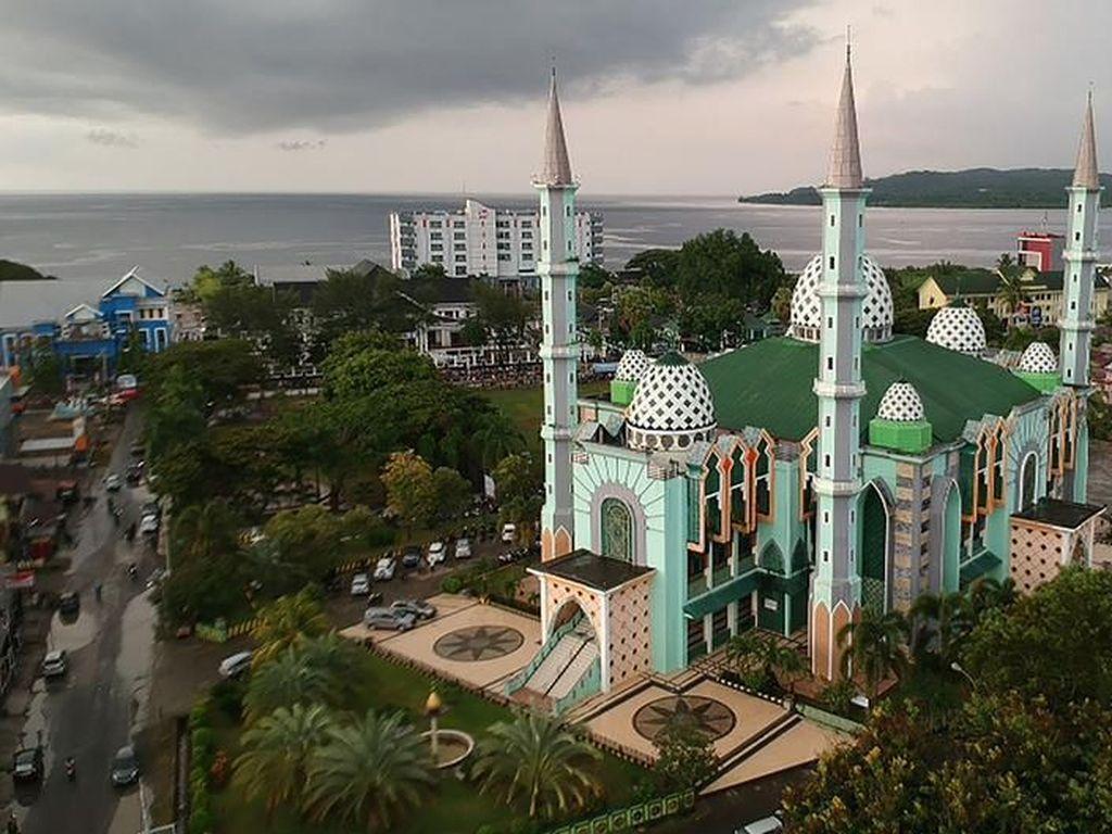 Kisah Para Pemburu Masjid Dokumentasikan Masjid Hingga Pelosok Nusantara