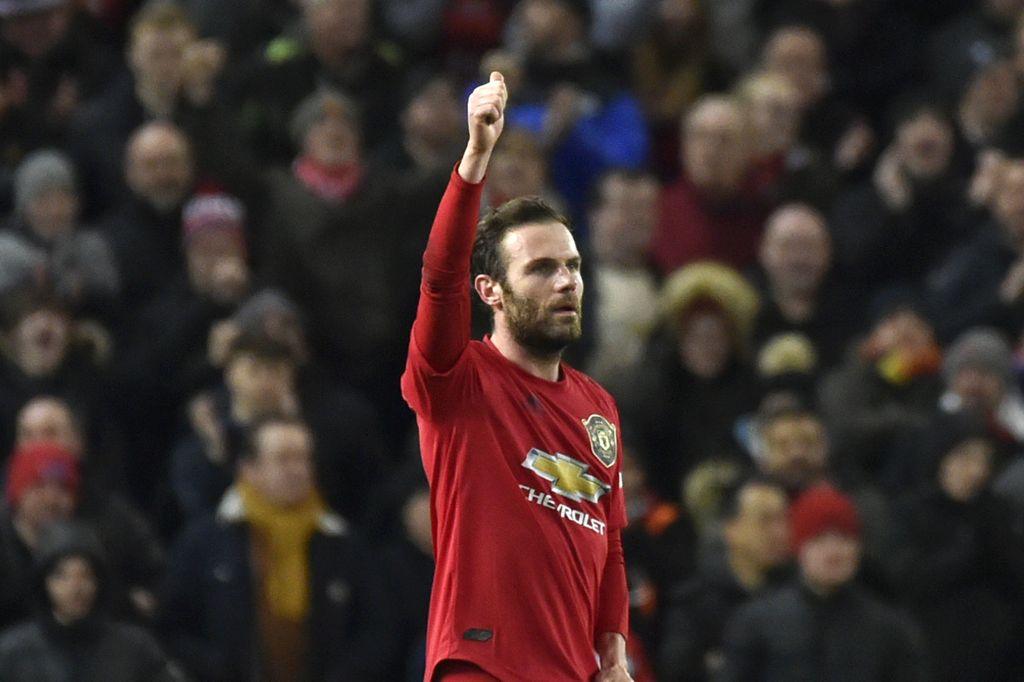 Manchester United lolos lolos ke babak keempat Piala FA usai menang 1-0 atas Wolverhampton Wanderers. Juan Mata jadi penentu lewat gol tunggalnya.